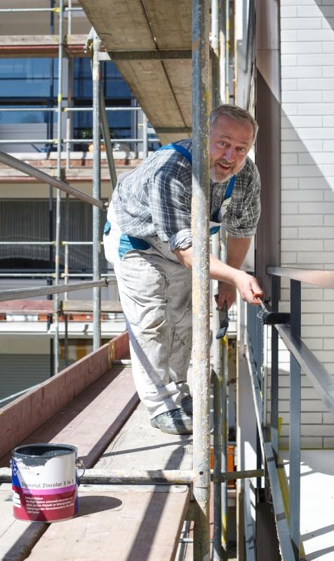 Lackierarbeiten durchgeführt von einem Mitarbeiter des Malerbetrieb Malermeister Bönninger Dortmund.